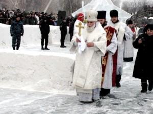 Саперы Росгвардии с собаками посетили православные храмы Южного Урала