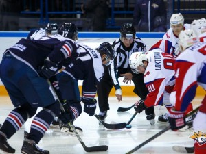 3 шайбы за 86 секунд забросил «Металлург» в ворота «Локомотива»