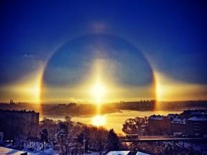 Над Челябинском наблюдали радугу и три солнца