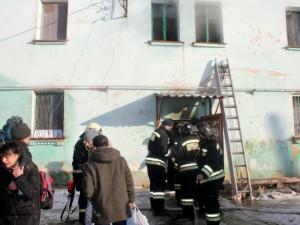Один сгорел, 19 человек остались без крова. Пожар тушили 8 часов