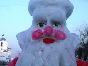 Подростки раздолбали ледовый городок и обматерили полицейского, который им мешал