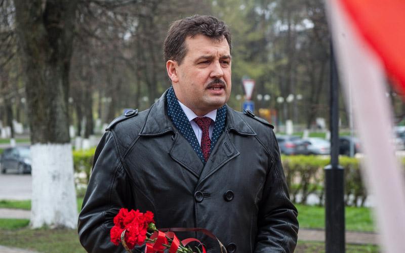 Коммунисты поздравили депутата Брянского горсовета Андрея Архицкого с юбилеем