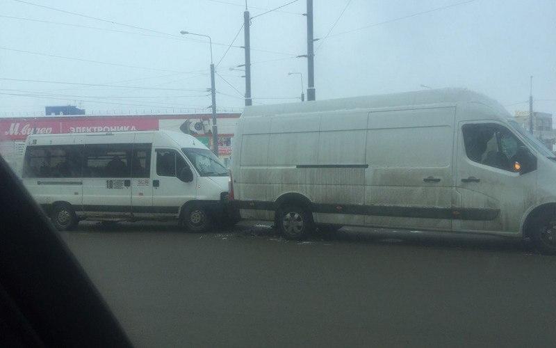 В Брянске на «Полтиннике» случилось массовое ДТП с маршрутками
