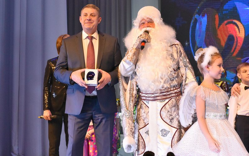 Мира и радости! Губернатор поздравил брянцев с Новым годом
