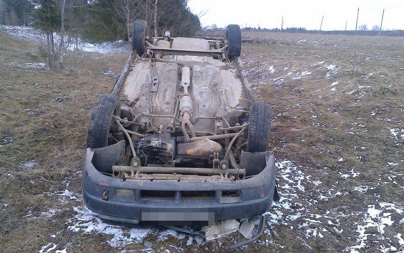 Пострадавших в ДТП под Клинцами пришлось вырезать из машины