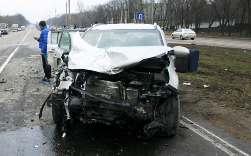 В Почепе автомобилистка разбила свою и чужую машины