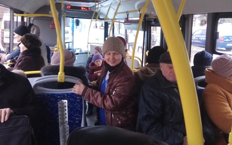 Кондуктор автобуса шокировала брянцев своей вежливостью