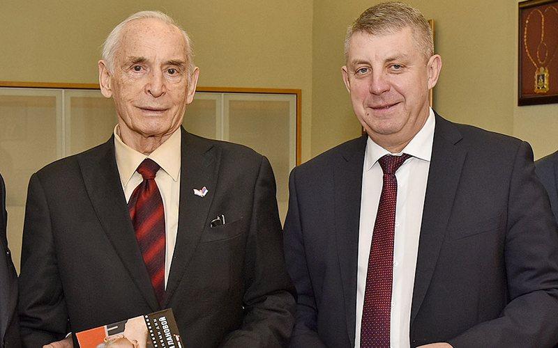 Богомаз — Лановому: брянский губернатор поздравил народного артиста с днем рождения