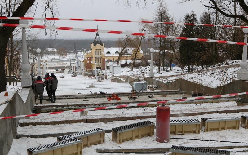 СМИ: на бульваре Гагарина в Брянске едва не погиб рабочий