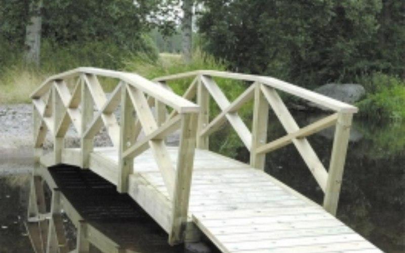 Белобережские добровольцы решили подарить поселку новый мост