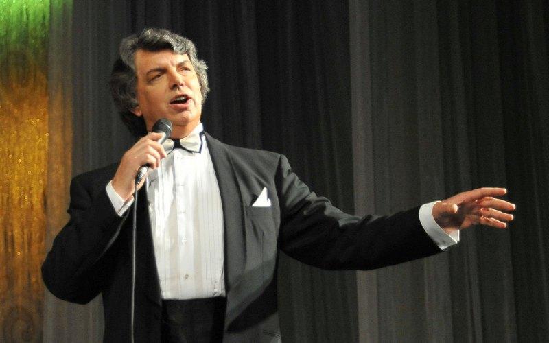 Сергей Захаров споет брянцам о любви