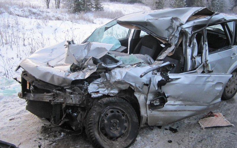 В жутком ДТП под Унечей погибла автомобилистка и ее пассажир