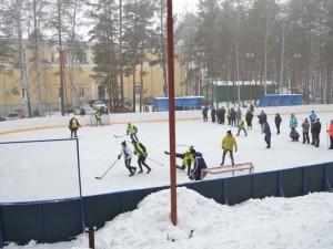 Полицейские сыграли в хоккей на валенках