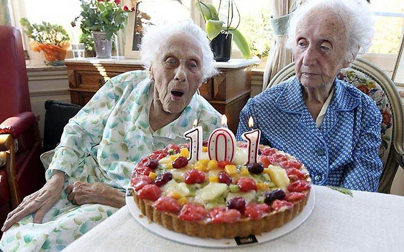 В феврале поздравлений от Путина дождутся 202 брянских долгожителя