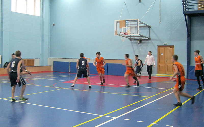 Первенство побаскетболу собрало вГлинищево 80 спортсменов