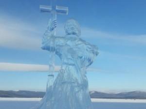Святого Владимира изо льда установили на Тургояке