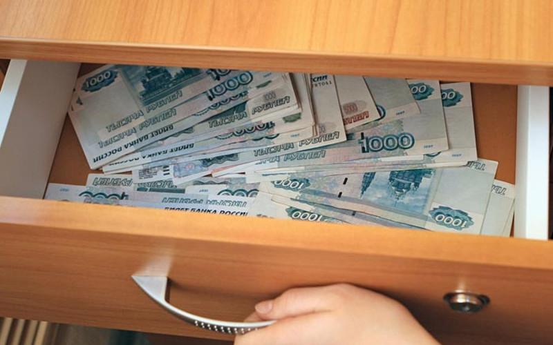 У забывчивой почепской пенсионерки 18-летняя воровка украла 44 тысячи рублей