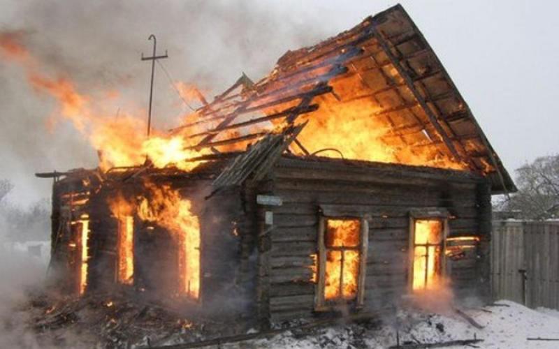 В Жуковке в огне погиб 44-летний мужчина