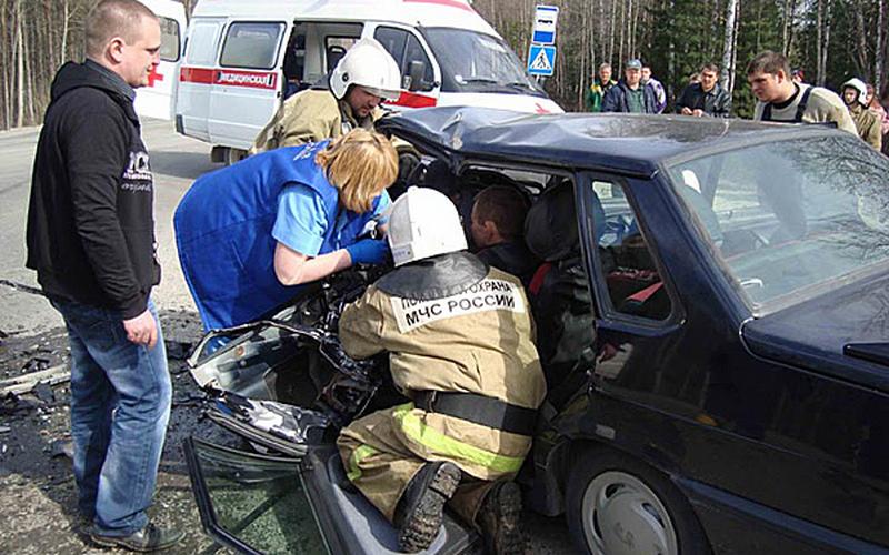 Пострадавших в аварии под Унечей вырезали из авто