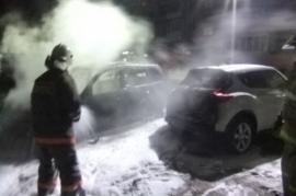 14 человек тушили одну машину