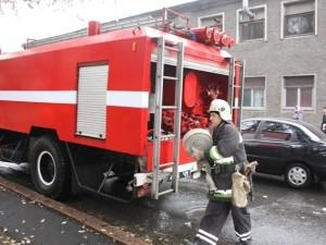Масштабный пожар в Магнитогорске привлёк 30 МЧСников