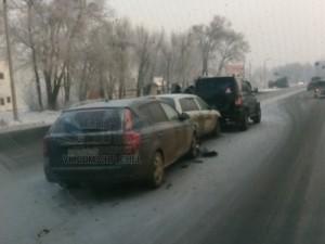 Три машины столкнулись паровозиком на Механической