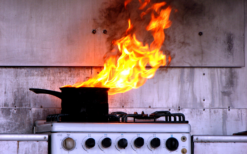 В Фокинском районе горел дом — обошлось без жертв