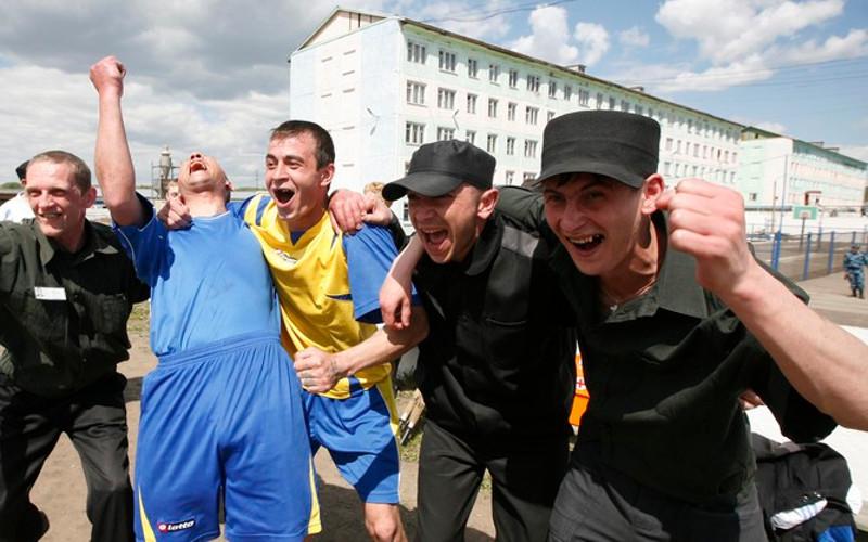 Осужденным в брянских колониях покажут матчи чемпионата мира по футболу