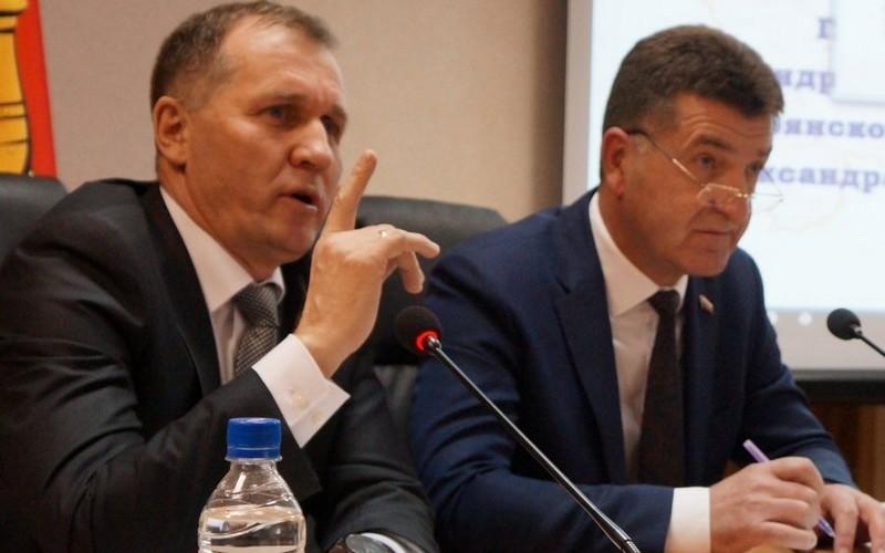 Руководители Брянска попали в пятерку медиапопулярных чиновников года