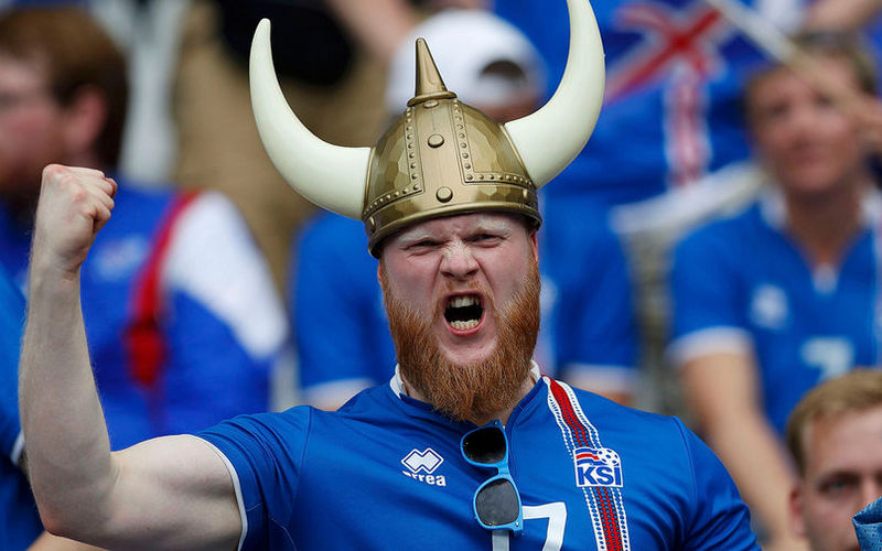Фанат из Исландии Сигурдфлордбрадсен с трудом выговорил «Сочи»