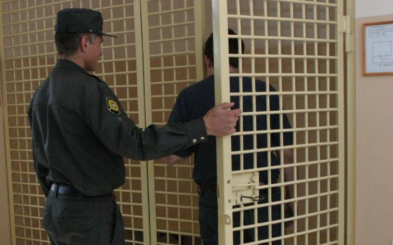 В Жуковке в отделении полиции молодой человек попытался свести счеты с жизнью