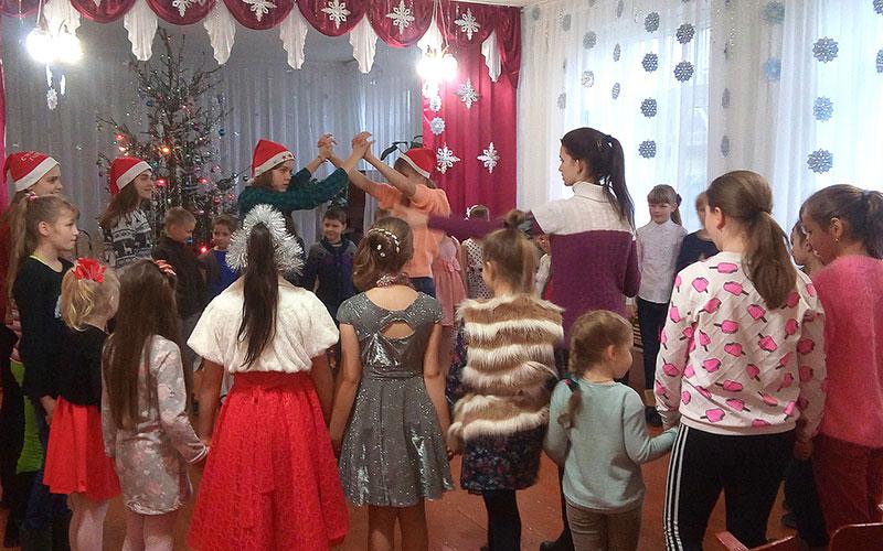 Мглинских детей угостили «Танцевальным коктейлем»