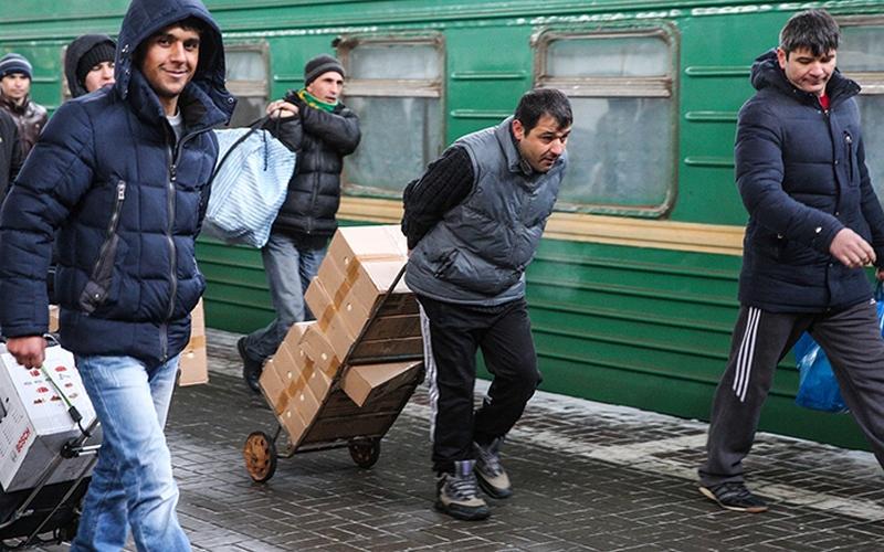 300 мигрантов отправили с Брянской земли восвояси за 1,4 миллиона рублей