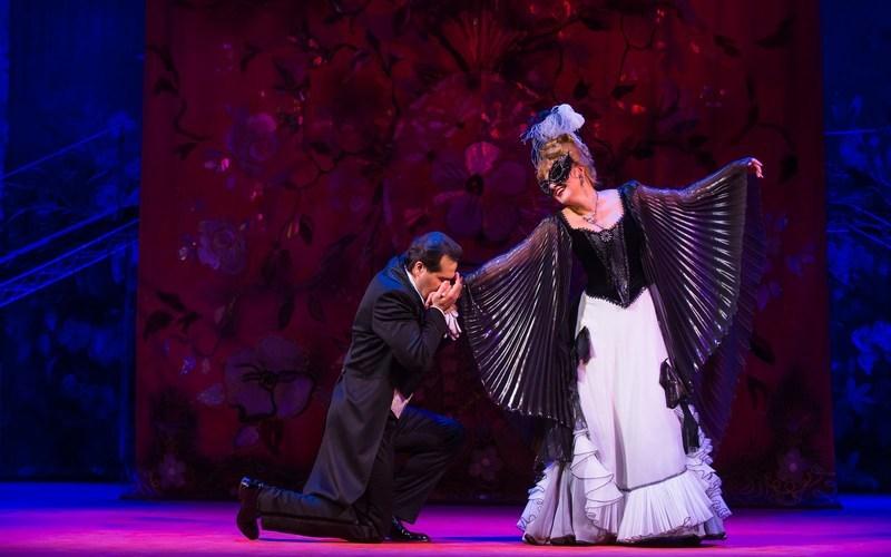 Звезды московской оперетты привезут в Брянск легендарную «Летучую мышь»