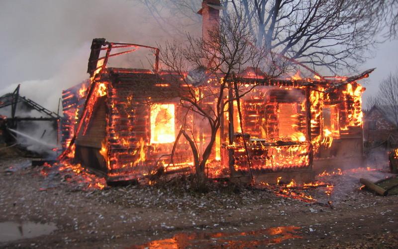 В Клетне во время пожара погиб молодой мужчина