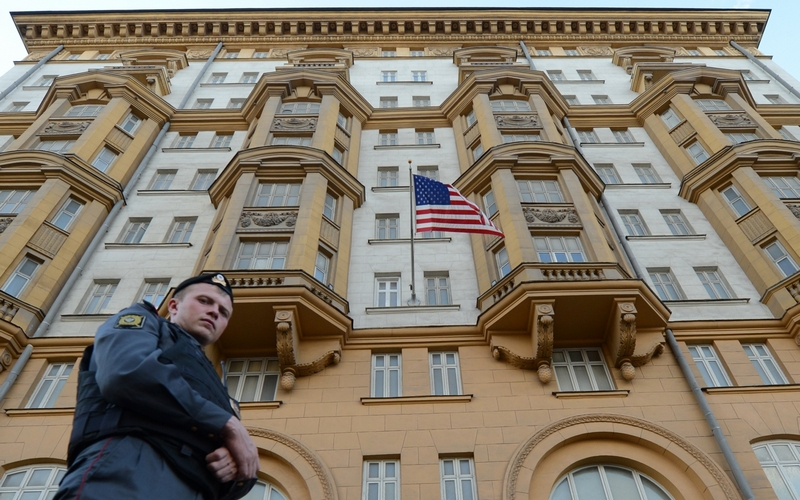 Как ответить напоявление площади Бориса Немцова уроссийского посольства вВашингтоне?