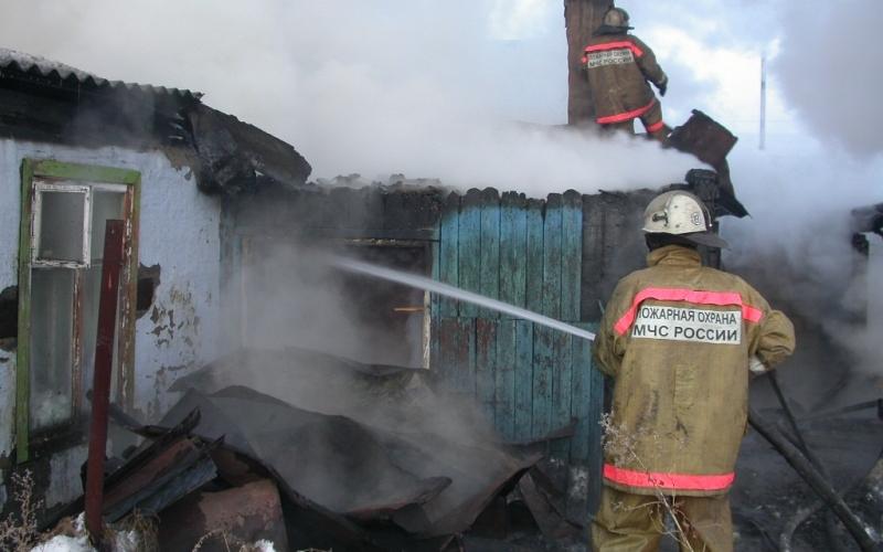 В Новозыбковском районе тушили вспыхнувшую пристройку к дому