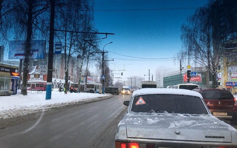Мрак, ужас: брянцы сообщили об огромной пробке на Костычева