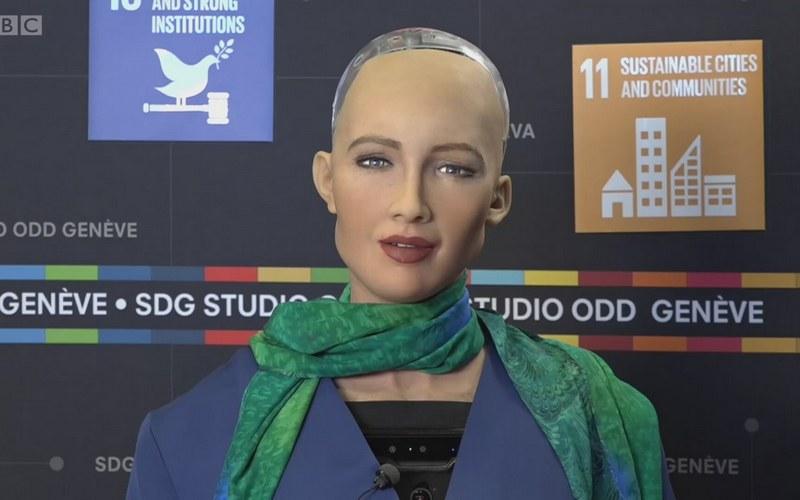 Андроид София впервые украсит обложку глянцевого журнала