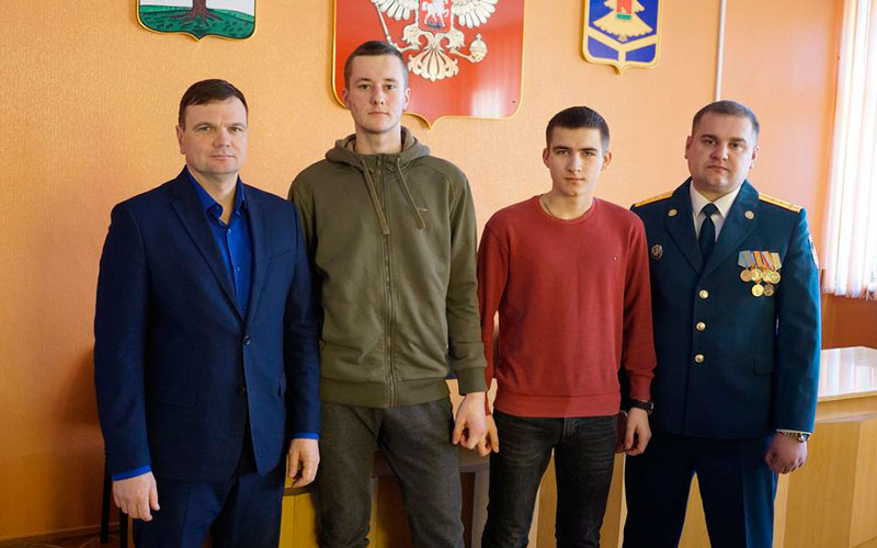 Стародубские подростки вытащили белоруса изгорящей квартиры