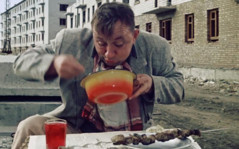 Россияне признались, что едят суп побудням