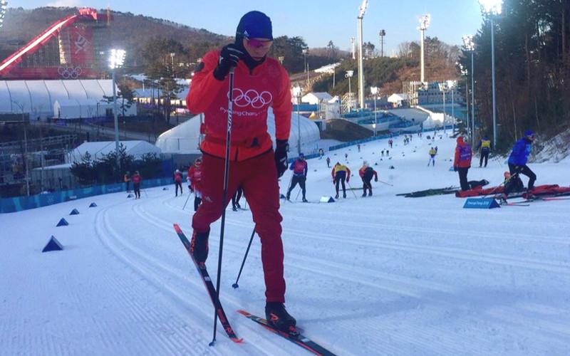 На Играх в Корее Александр Большунов прошел квалификацию в спринте