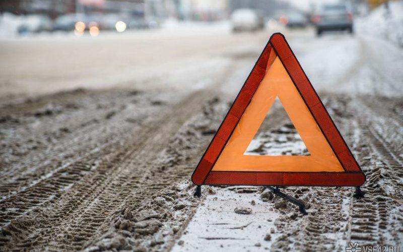 На переходе в Брянске водитель Kia разбил голову пенсионерке