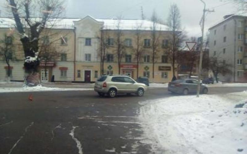 В Брянске в ДТП с участием двух машин пассажирка разбила голову