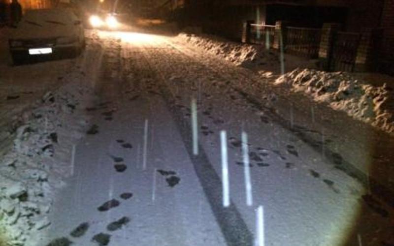 В Брянске в ночь на воскресенье машина сбила пьяного пешехода