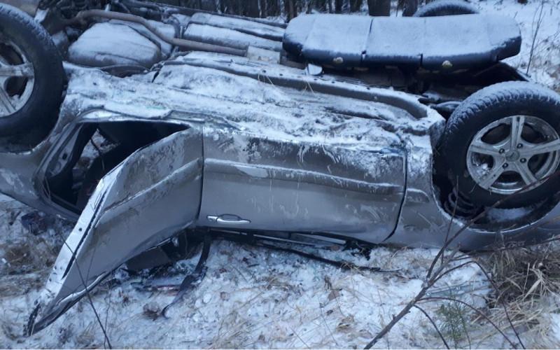 В Жирятинском районе в перевернувшемся Mitsubishi пострадали пассажирки