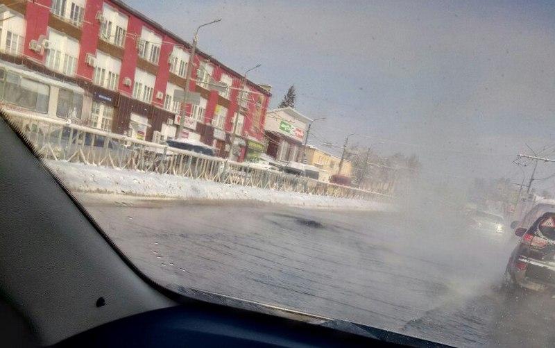 В Брянске залило трассу на проспекте Станке Димитрова