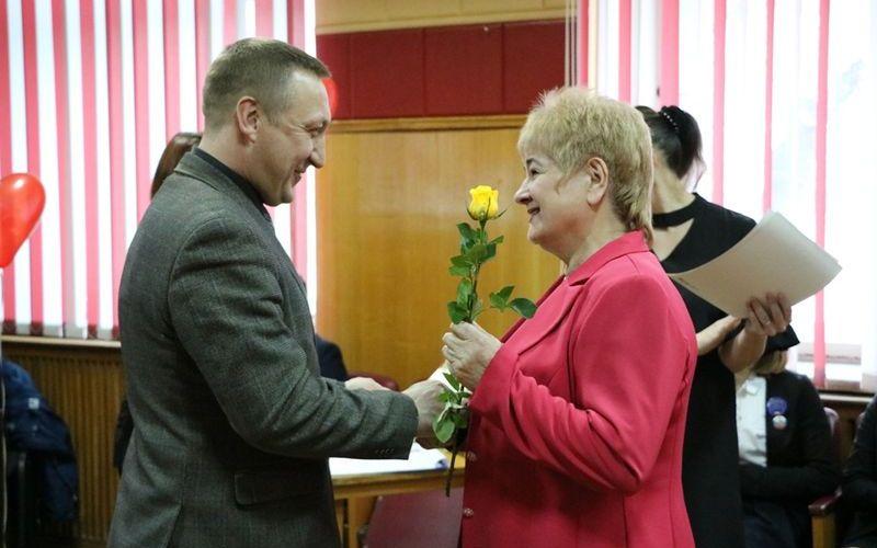 В Брянске защитников детства поздравили с юбилеем