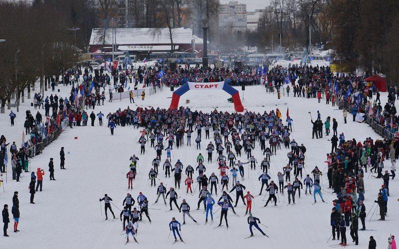 Тысячи брянцев проявили интерес к «Лыжне России»