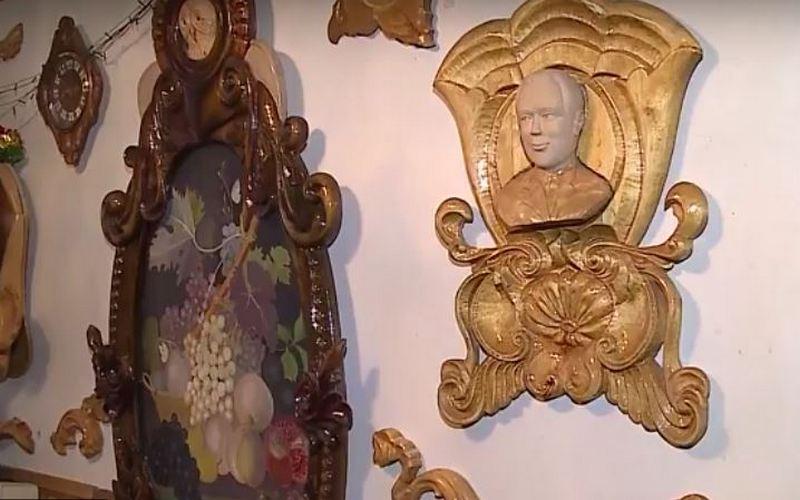 Брянский резчик по дереву превратил свою квартиру в музей